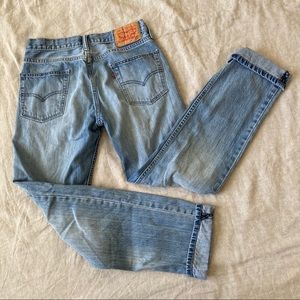 Levi's•Mom Jeans Mid Rise